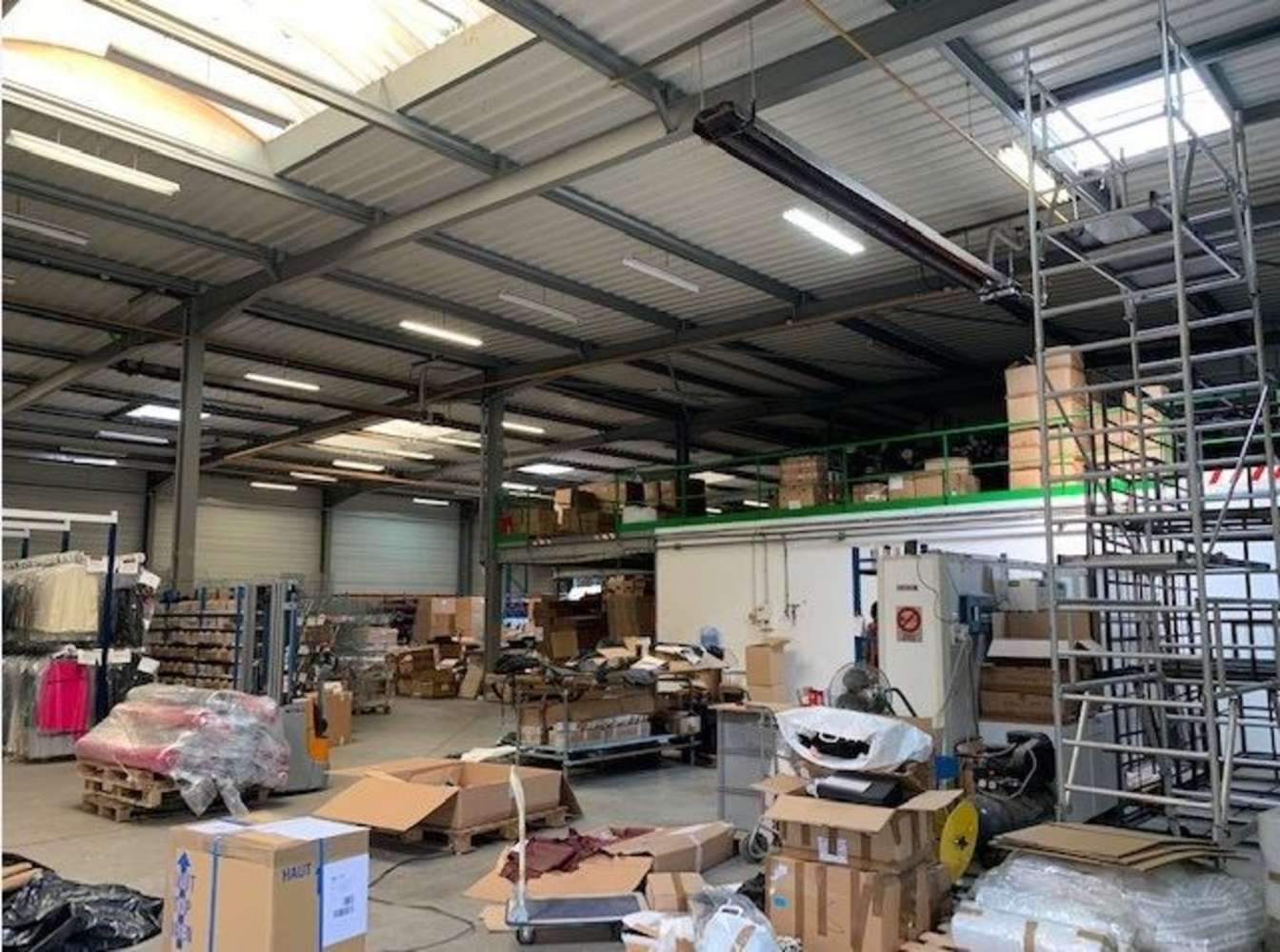 Activités/entrepôt Domont, 95330 - ZAE DES FAUVETTES - 10345803