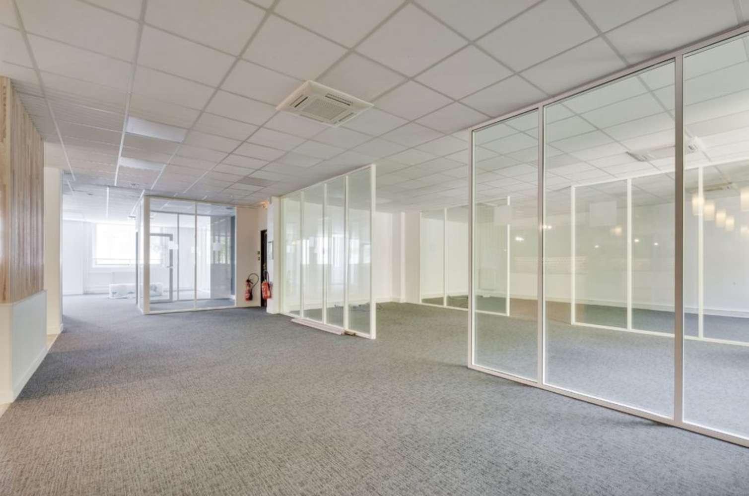 Bureaux Paris, 75015 - 26-28 RUE DE CHAMBERY - 10591817