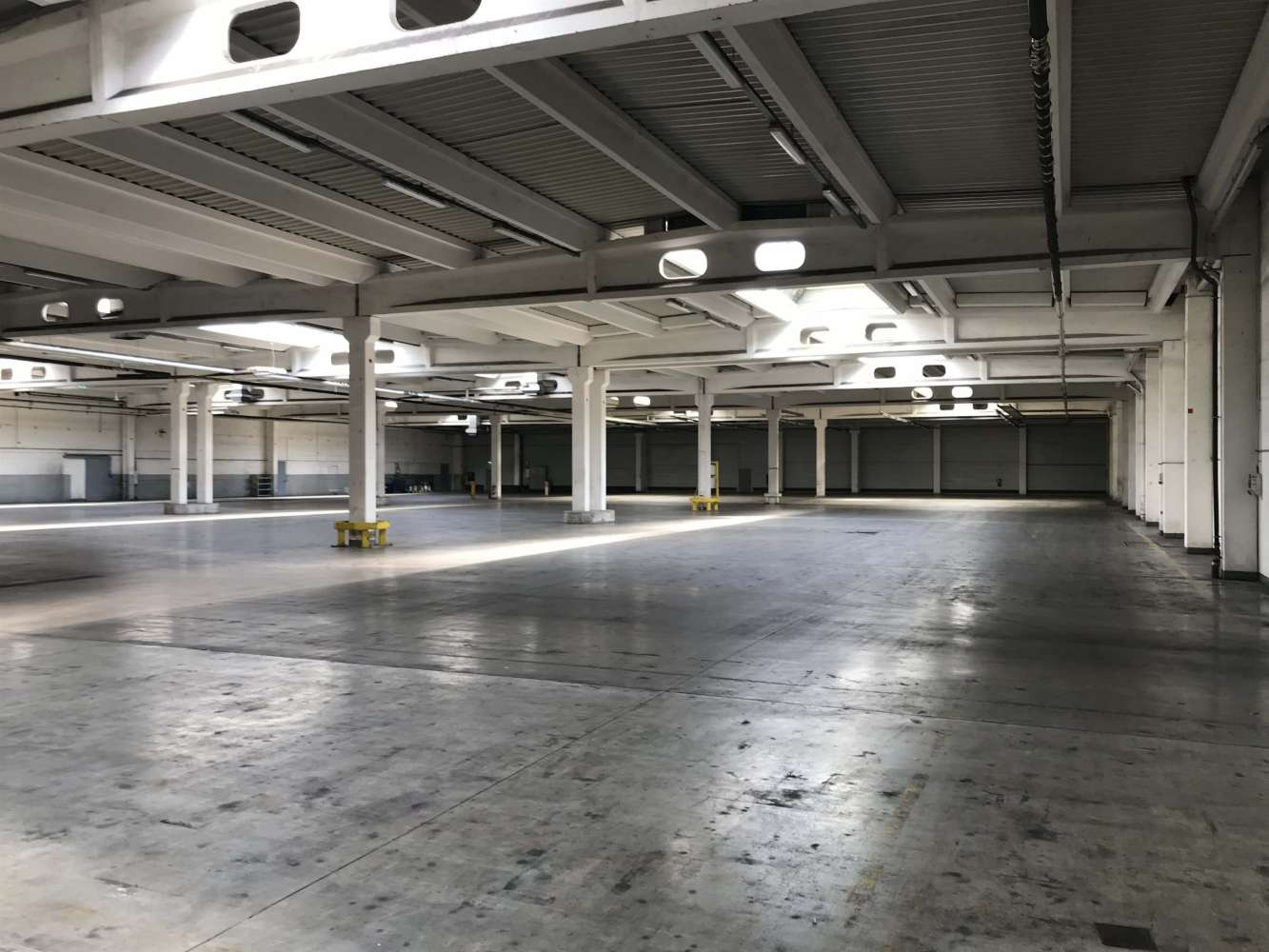 Hallen Weimar, 99427 - Halle - Weimar, Industriegebiet West - B1738 - 10614943
