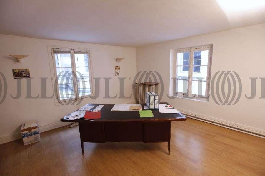 bureaux vendre 55 rue du faubourg saint antoine 75011 paris 50292 jll. Black Bedroom Furniture Sets. Home Design Ideas