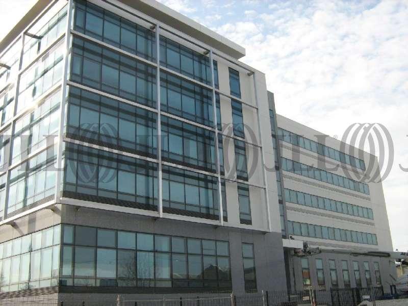 Bureaux louer vendre camille doncieux 95870 bezons for Garage des barentins 95870 bezons