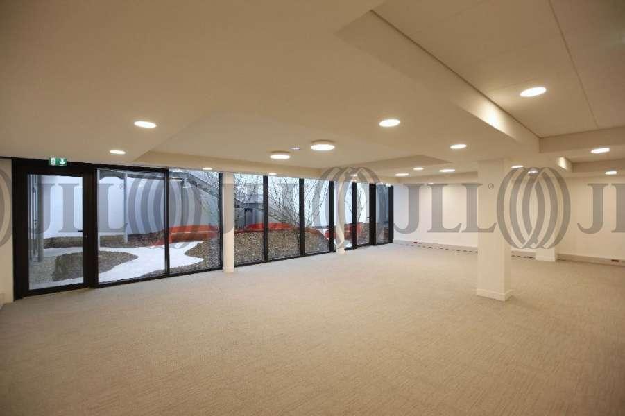 bureaux louer opus 4 8 75008 paris 15253 jll. Black Bedroom Furniture Sets. Home Design Ideas