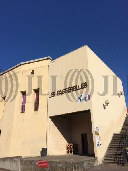 Bureaux vendre les passerelles 69009 lyon 42588 jll - Bureau de change lyon sans commission ...