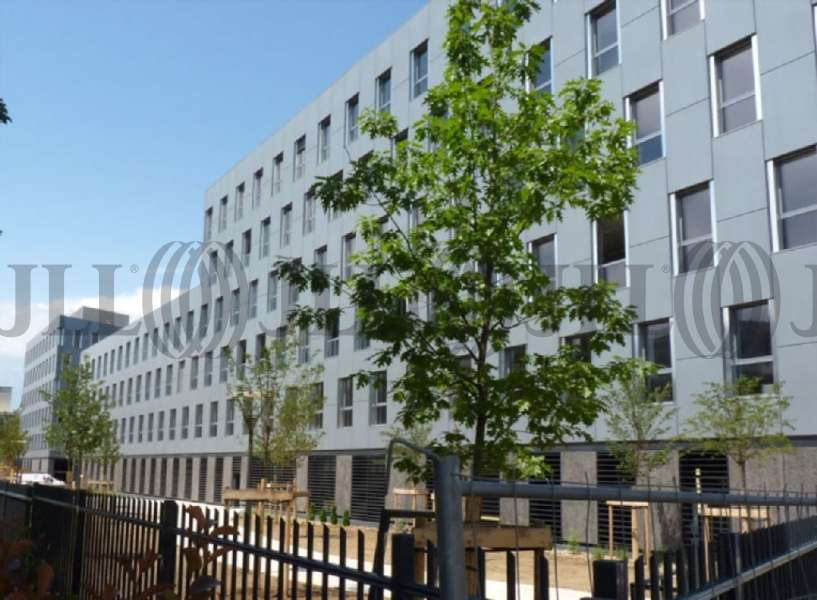 Bureaux louer le quadrille 69008 lyon 40860 jll for Le jardin 69008 lyon