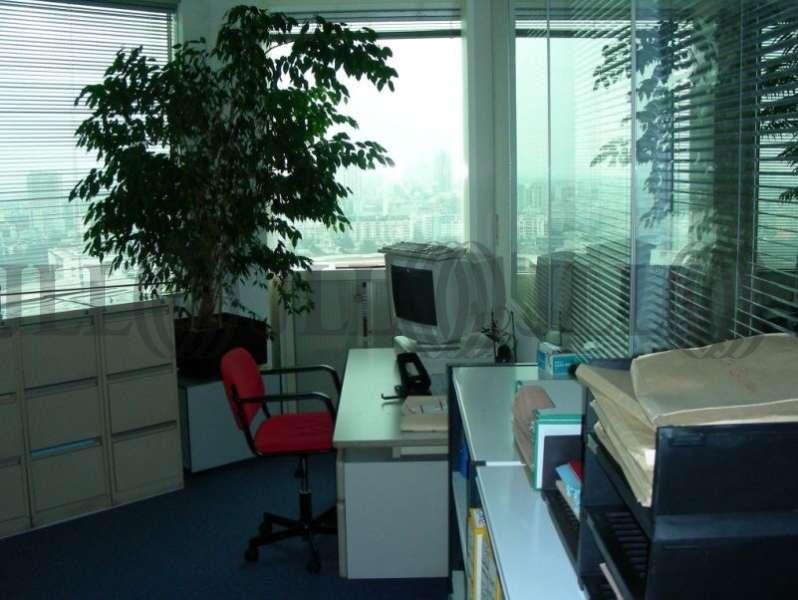 bureaux louer vendre tour essor 93500 pantin 50341 jll. Black Bedroom Furniture Sets. Home Design Ideas