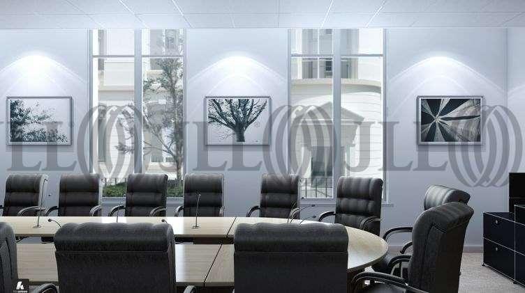 bureaux louer solstys 75008 paris 19232 jll. Black Bedroom Furniture Sets. Home Design Ideas