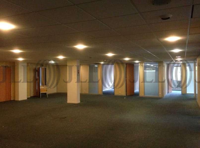 bureaux louer cap beaune 93100 montreuil 26678 jll. Black Bedroom Furniture Sets. Home Design Ideas