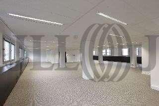 Bureaux louer 18 rue jean giraudoux 75016 paris 30860 jll - Bureau de change paris sans commission champs elysees ...