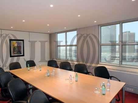 bureaux louer centre d 39 affaires la grande arche 92800. Black Bedroom Furniture Sets. Home Design Ideas