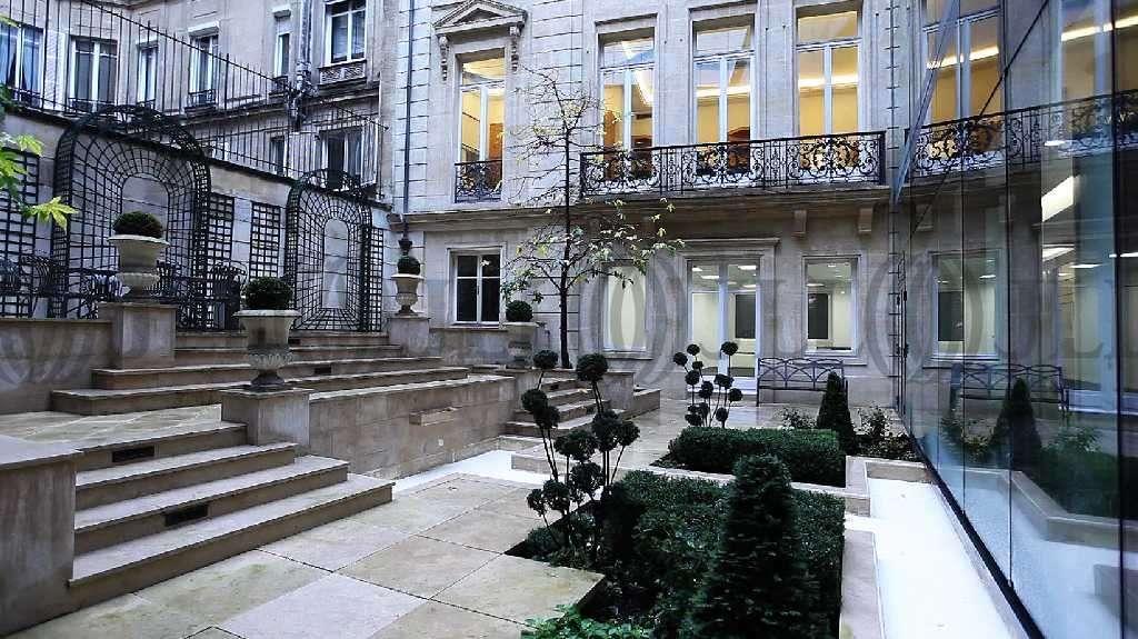 bureaux louer 203 rue du faubourg saint honore 75008 paris 24837 jll. Black Bedroom Furniture Sets. Home Design Ideas