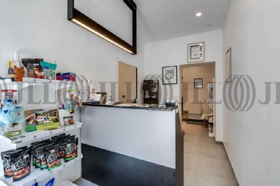 bureaux louer 4 rue francois 1er 75008 paris 56375 jll. Black Bedroom Furniture Sets. Home Design Ideas