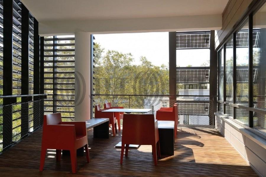 bureaux louer spi west 69009 lyon 43132 jll. Black Bedroom Furniture Sets. Home Design Ideas