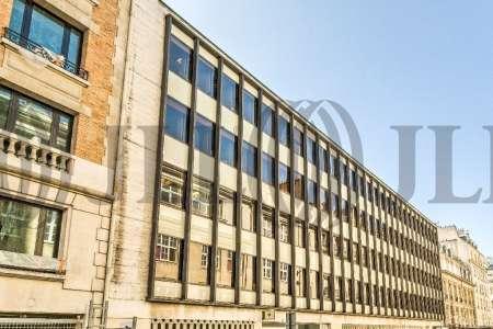 Bureaux à louer à PARIS 75008 - 7-13 RUE DE BUCAREST 1