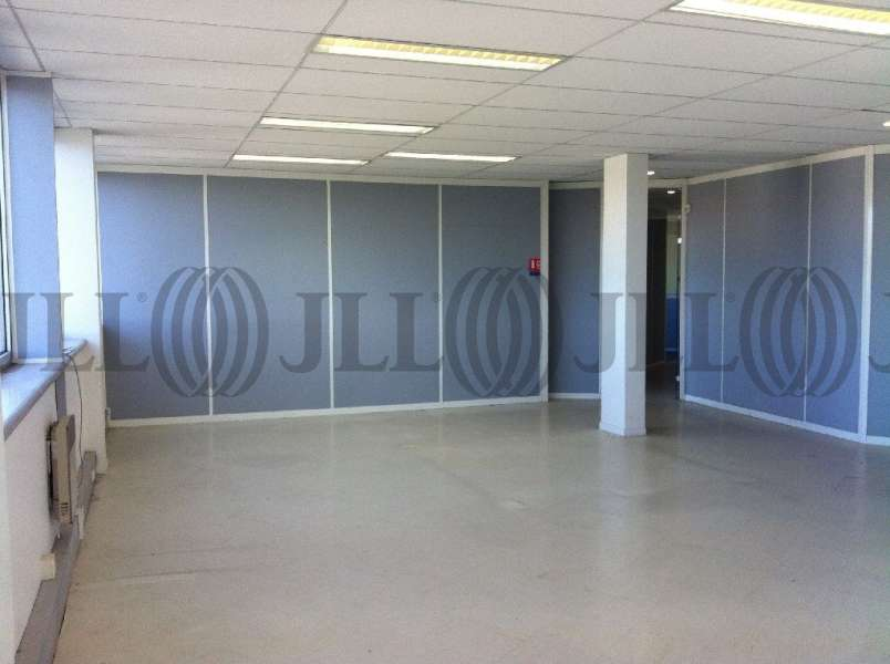 bureaux vendre le quartz 92290 chatenay malabry 30406 jll. Black Bedroom Furniture Sets. Home Design Ideas