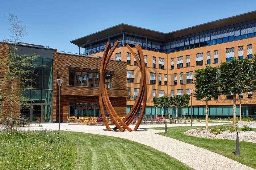 bureaux louer campus lyon gerland 69007 lyon 44122 jll. Black Bedroom Furniture Sets. Home Design Ideas