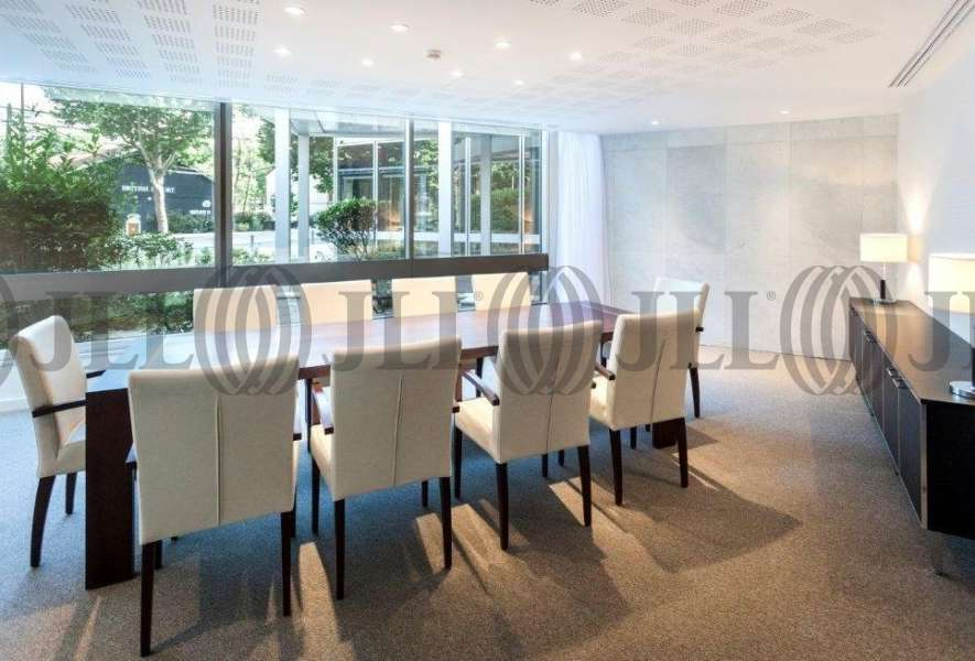 bureaux louer imagine 92200 neuilly sur seine 4812 jll. Black Bedroom Furniture Sets. Home Design Ideas