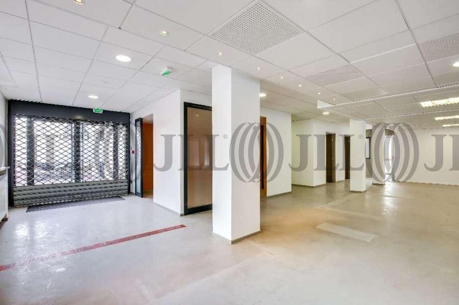 bureaux louer 6 rue barbes 92300 levallois perret 54526. Black Bedroom Furniture Sets. Home Design Ideas