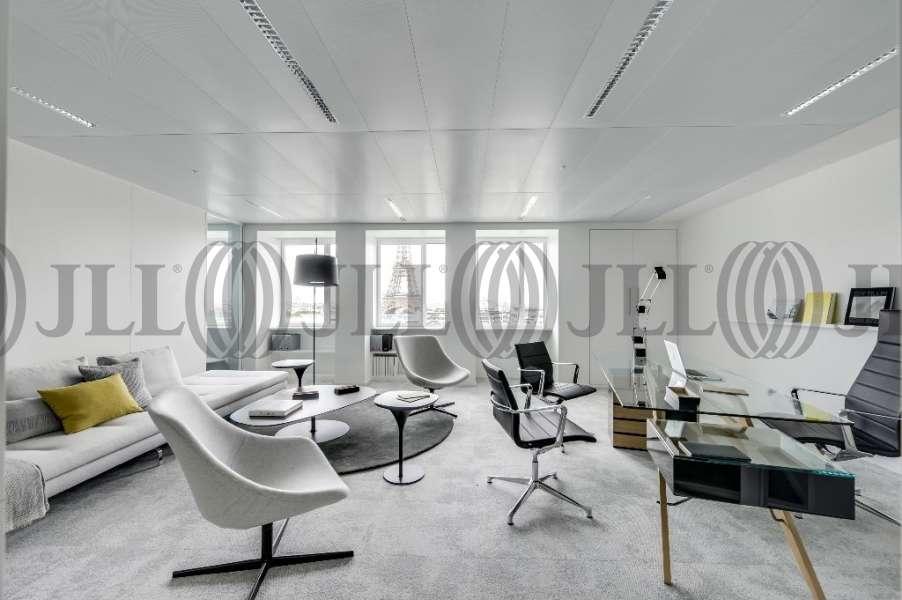Bureaux louer 10 grenelle 75015 paris 23982 jll - Bureau de change paris sans commission ...
