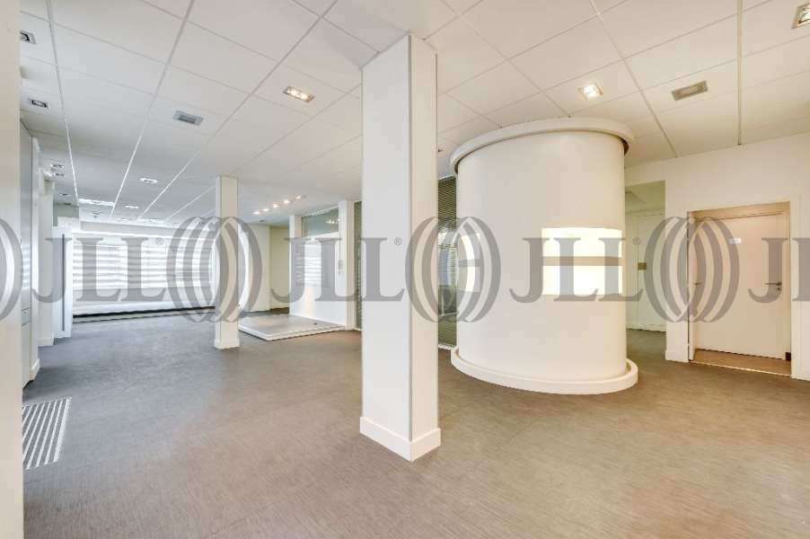 Bureaux louer 46 rue du colisee 75008 paris 53715 jll - Bureau de change paris sans commission champs elysees ...