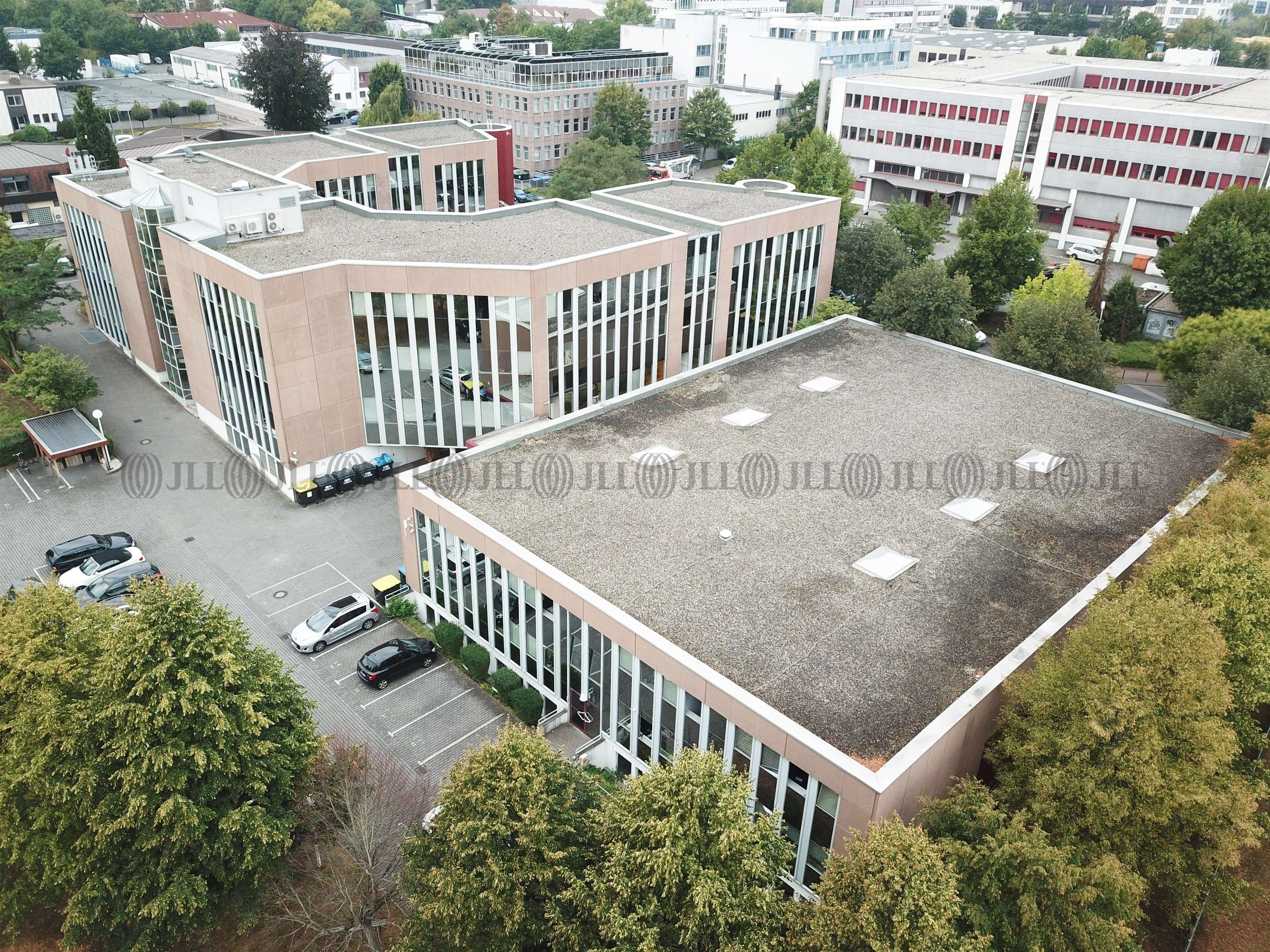 Hallen Frankfurt am main, 60437 -  - F2484 - 9592950