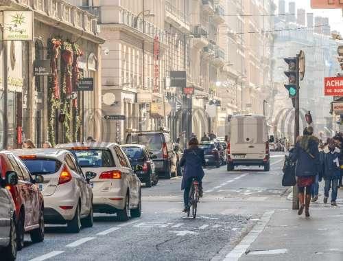 Commerces Lyon, 69002 -  RUE DE BREST - 9925640