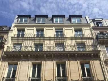 Bureaux à louer à PARIS 75008 - 32 RUE DE LA BIENFAISANCE 1