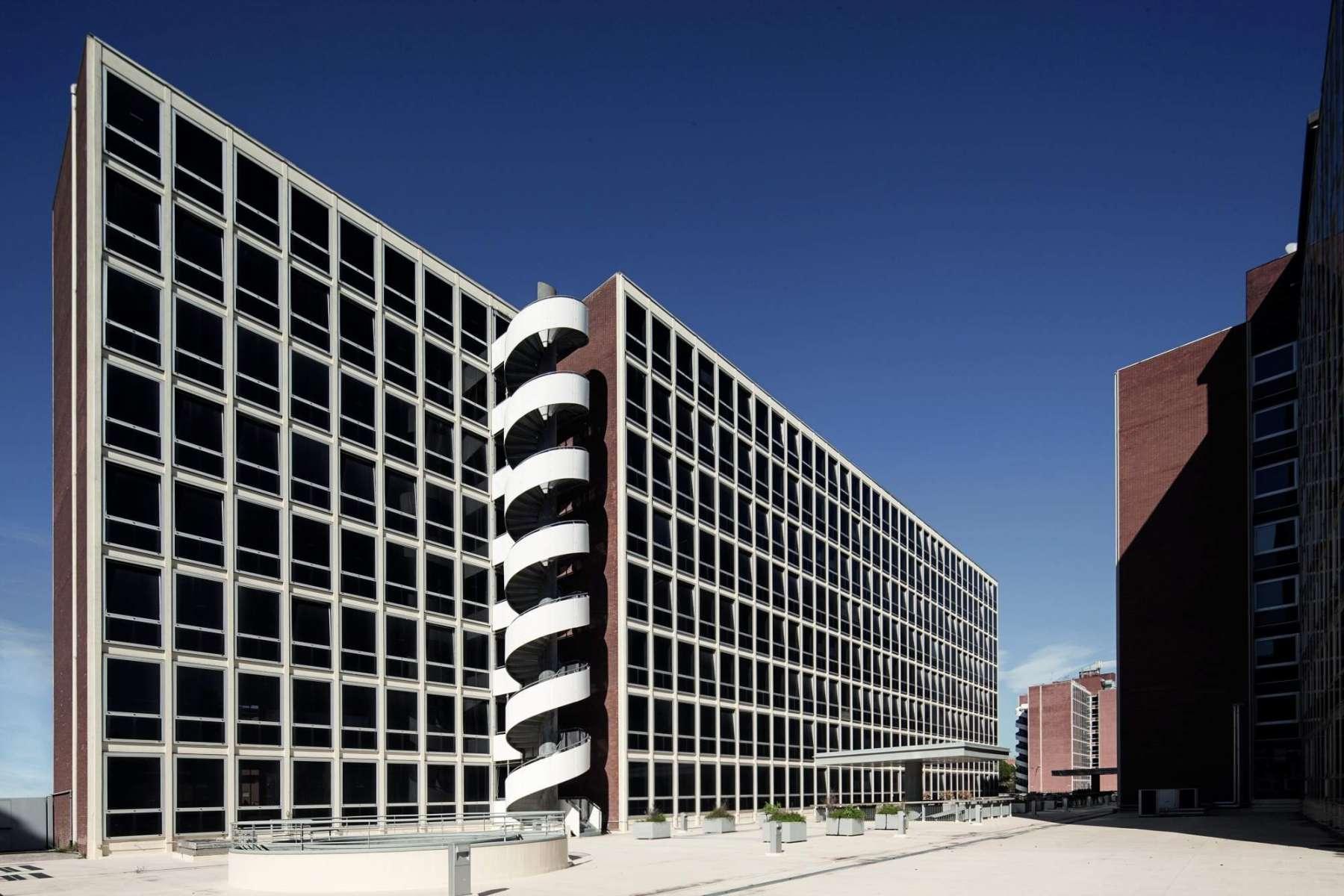 Giorgione directional center uffici immobili per in for Centro uffici roma