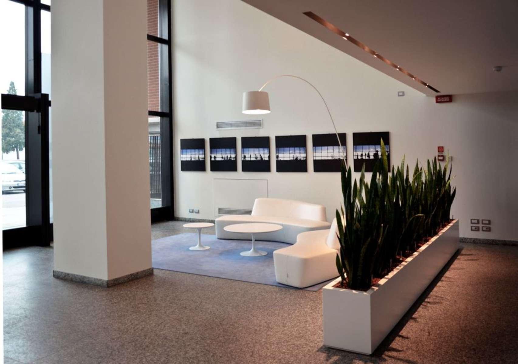Piante Ufficio Open Space : Montefeltro business hub uffici immobili per in locazione jll