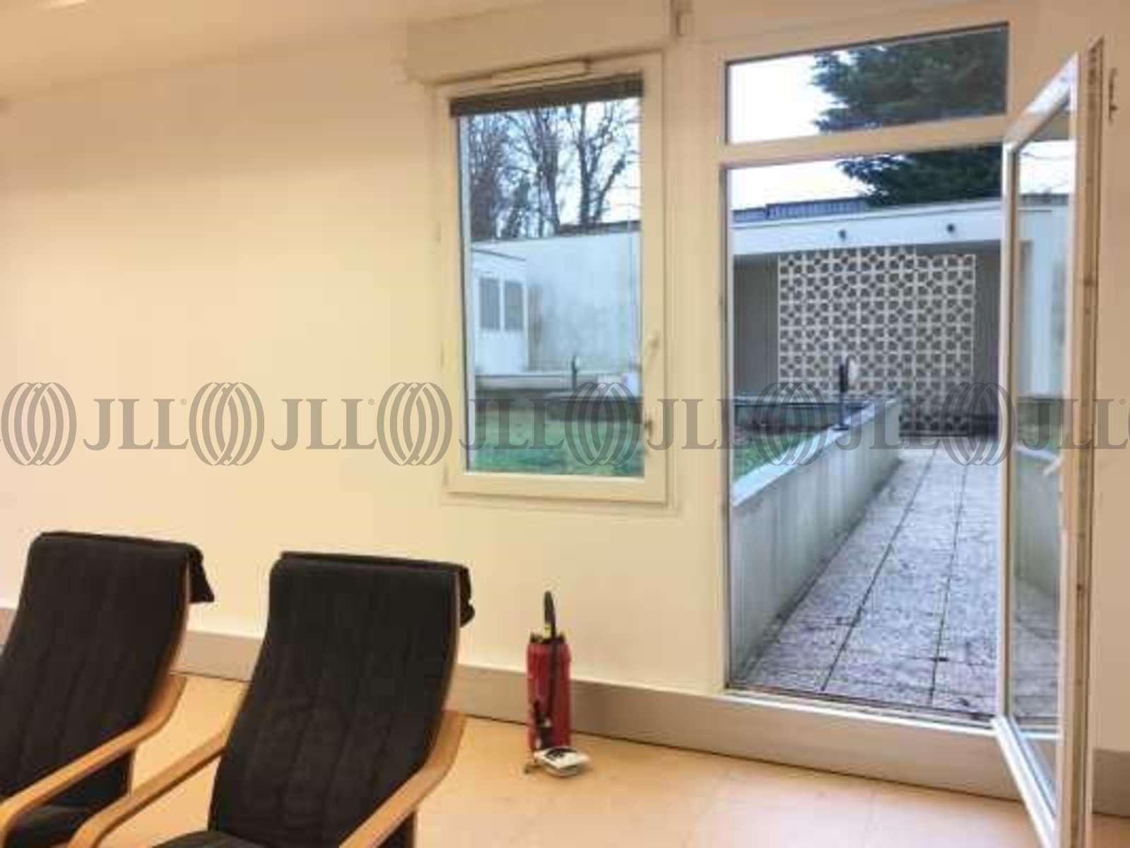 bureaux louer 68 rue marcel miquel 92130 issy les. Black Bedroom Furniture Sets. Home Design Ideas