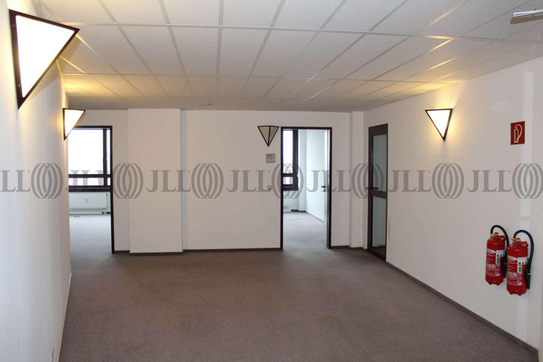 b ro berlin marzahn b0080 zur miete jll. Black Bedroom Furniture Sets. Home Design Ideas