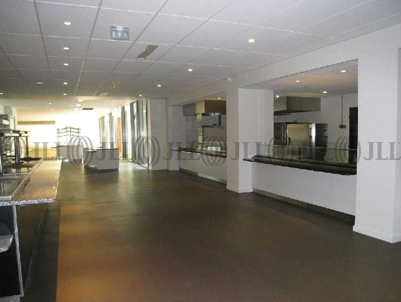 bureaux louer boma building of modern attitude 92150. Black Bedroom Furniture Sets. Home Design Ideas