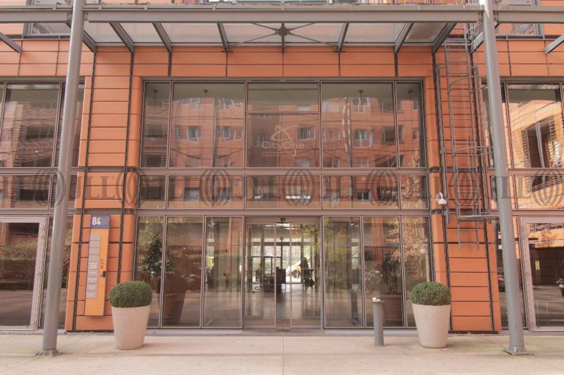 Bureaux louer city one 69006 lyon 43698 jll - Bureau de change lyon sans commission ...