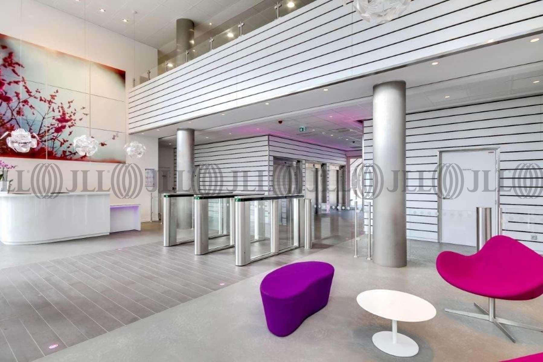 Bureaux louer inside 92500 rueil malmaison 27002 jll - Location meublee rueil malmaison ...