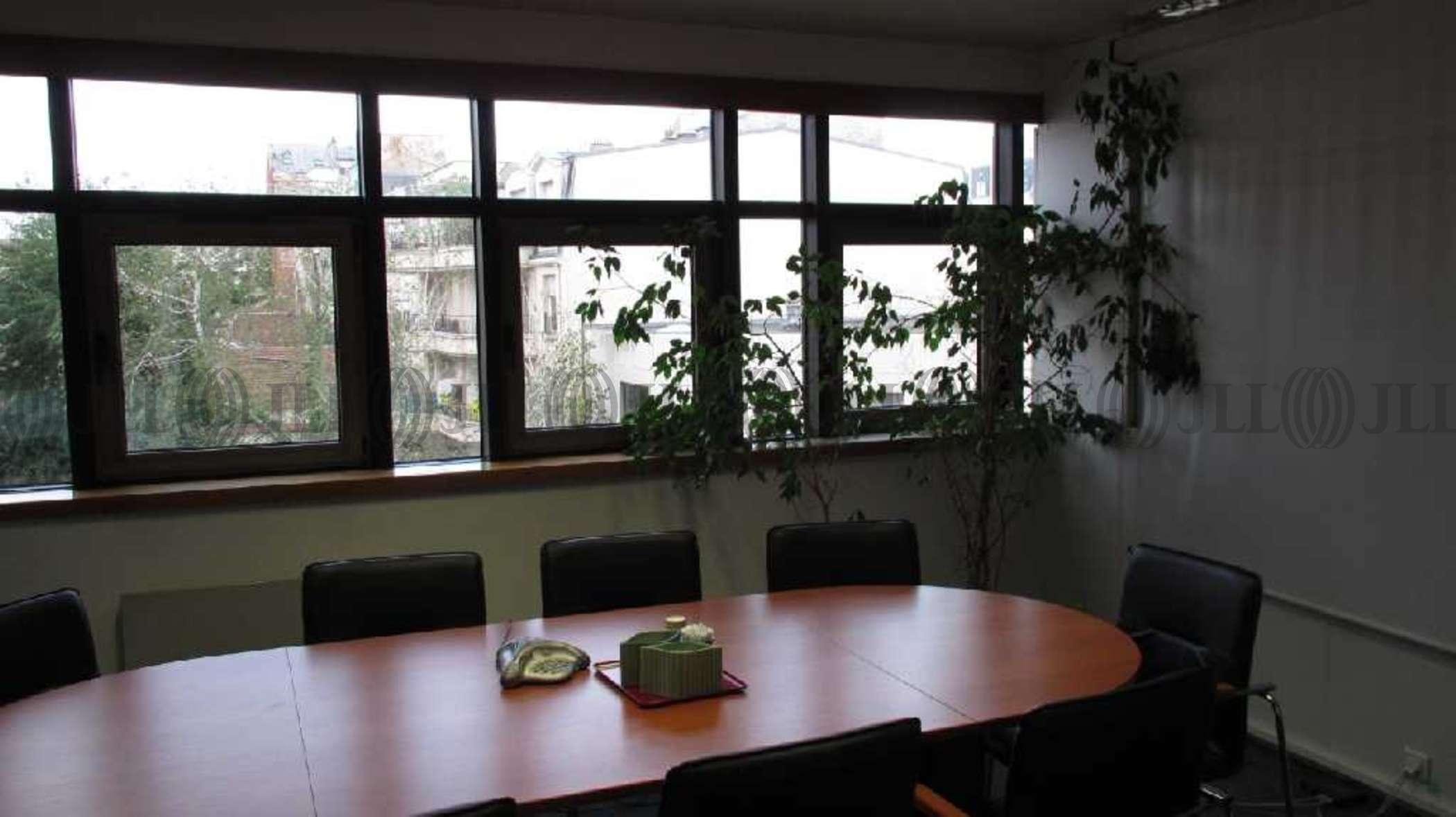 bureaux louer paritalie 94270 le kremlin bicetre 52194 jll. Black Bedroom Furniture Sets. Home Design Ideas