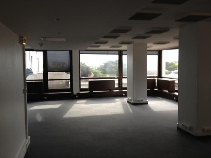 Location bureaux saint cloud m²