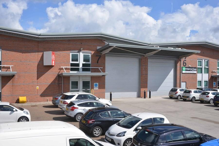 Industrial and Logistics Rent Warrington foto 1673 2