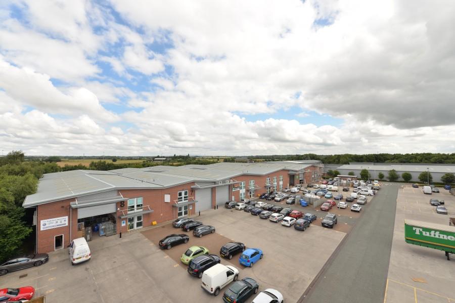 Industrial and Logistics Rent Warrington foto 1673 3
