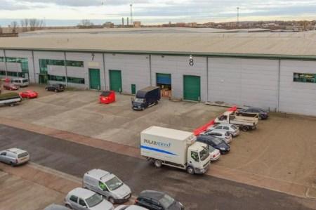 Industrial and Logistics Rent London foto 8201 1
