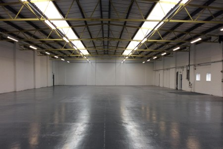 Industrial and Logistics Rent Poyle foto 954 4