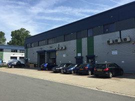 Industrial and Logistics Rent Southall foto 9758 1