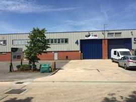Industrial and Logistics Rent Brentford foto 8306 1