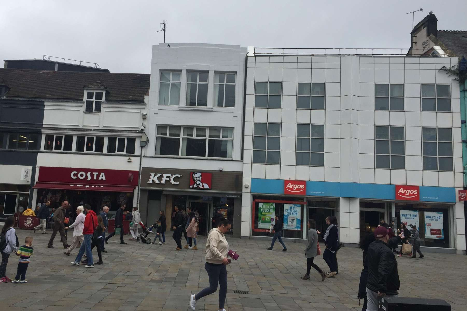 a68665cba3 Retail High Street Property to rent 111