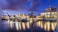 The Yacht Club and the Shipyard - Alternatives - Sale