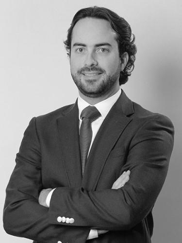 Alejandro Del Valle - Corredor de bienes raíces comerciales