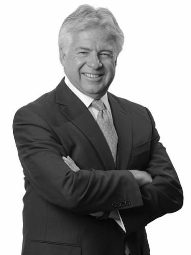 Rodolfo Albin - Corredor de bienes raíces comerciales