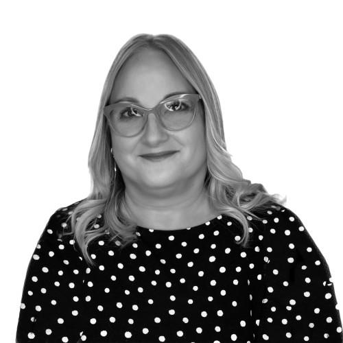 Vanessa M. Pérez - Commercial Real Estate Broker