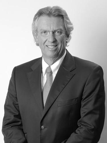 Francisco Cordero - Corredor de bienes raíces comerciales