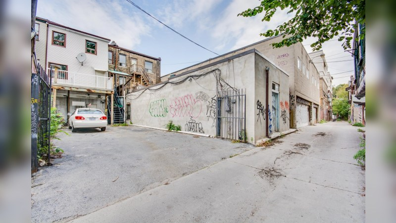 825 College Street - MixedUse - Sale