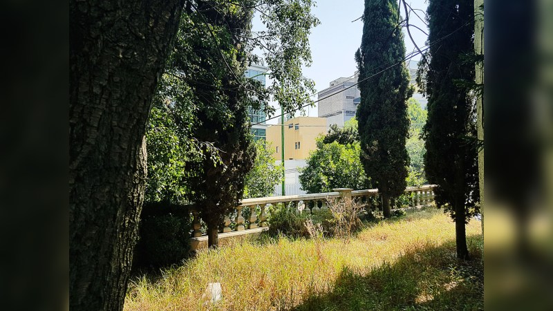 Casa en Venta en Lomas de Chapultepec con Uso de Suelo Mixto - Office - Sale