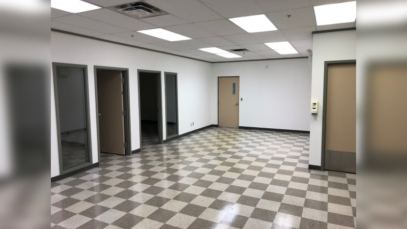 Yellowhead Crossing - Building D - Industrial - Lease